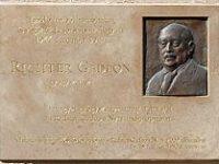 December 30-án volt 75 éve, hogy a Dunába lőtték a nyilasok Richter Gedeont, a magyar gyógyszergyártás atyját