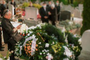 Online temetés közvetítés